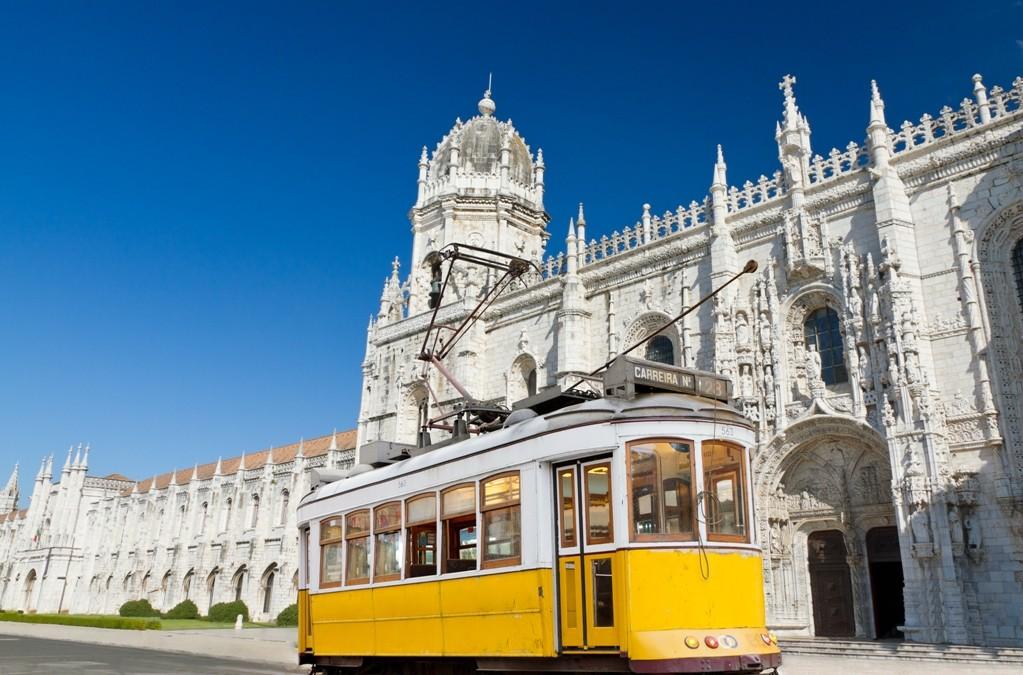 Listopad – Lizbona loty za 430 zł/os w obie strony!