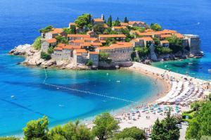 Wyspa Sveti Stefan - prawdopodobnie najsłynniejszy widok Czarnogóry.