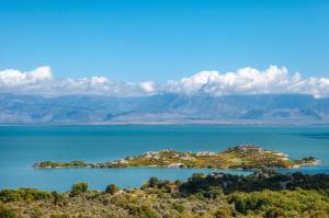 Jezioro Szkoderskie leżące na granicy Czarnogóry i Albanii to prawdziwy przyrodniczy raj.
