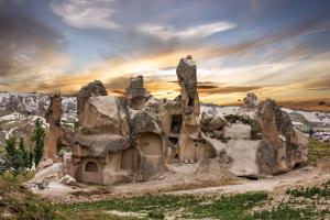 Göreme - niewielka wioska w środkowej Turcji, położona w samym sercu Kapadocji.