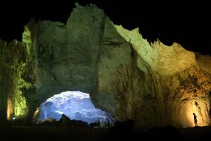 Zapadliska Cennet i Cehennem - jedyne miejsce na świecie, gdzie w ciągu jednej godziny można zajrzeć do Piekła, a następnie odwiedzić Niebo...