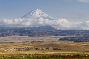 Góra Ararat – masyw wulkaniczny leżący na terytorium Turcji, 32 km od granicy z Armenią i 16 km od granicy z Iranem.