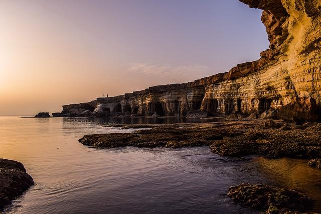Najpiękniejsze plaże na Cyprze – zobacz, gdzie wypoczywać!