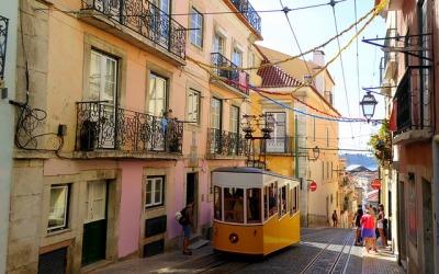 Loty do Lizbony – zakosztuj portugalskiego wina!