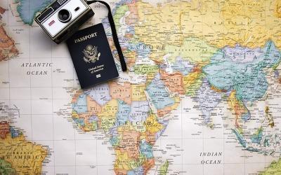Paszport czy dowód osobisty – co wybrać?